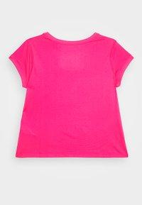 Nike Performance - DRY  - Jednoduché triko - vivid pink/white - 1