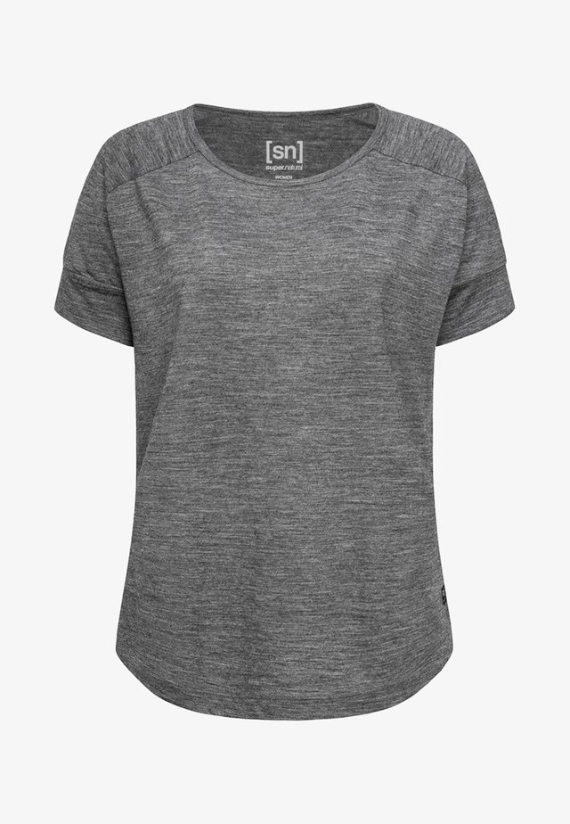 ISLA TEE - Basic T-shirt - medium grey