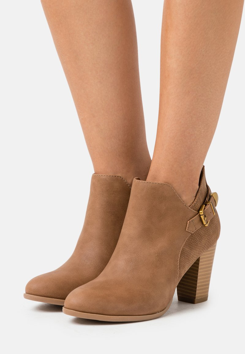 Wallis - ANISH - Boots à talons - camel