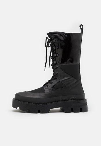 LACE UP COMBAT BOOT - Nauhalliset saappaat - black