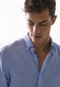 Massimo Dutti - IM REGULAR-FIT - Shirt - light blue - 3