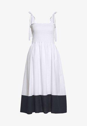 Kjole - white
