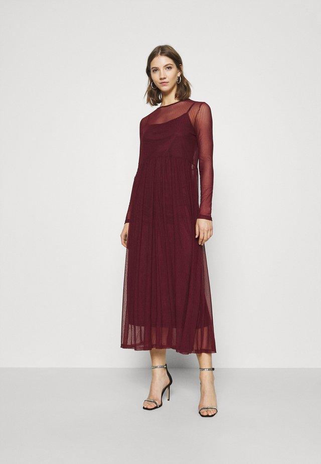 NMEMBER DRESS - Vestido informal - zinfandel