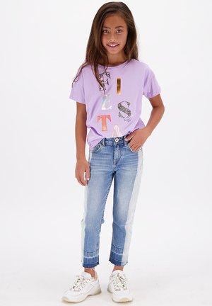 SENNA  - T-shirt print - bright lavender