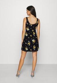 Even&Odd - Day dress - black/yellow - 2