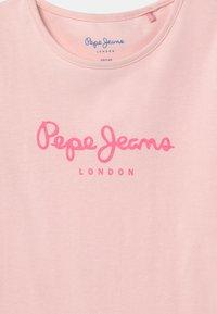 Pepe Jeans - HANA GLITTER - T-shirts print - washed pink - 2