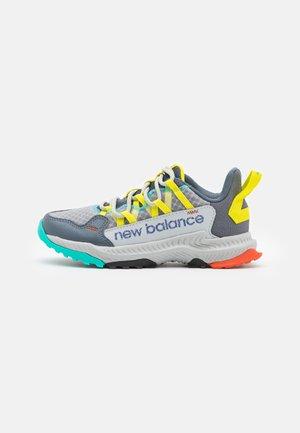 SHANDO UNISEX - Trail running shoes - light grey