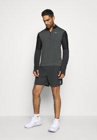 Nike Performance - Funktionsshirt - dark smoke grey/black/silver - 1