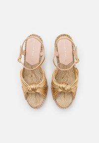 Loeffler Randall - PRIYA - Sandály na platformě - gold - 4