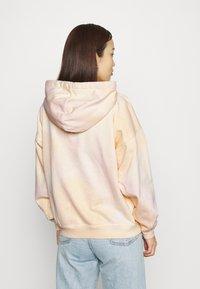 Levi's® - GRAPHIC RIDER HOODIE - Sweatshirt - multicolor - 2