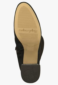 Mellow Yellow - Cuissardes - black - 4