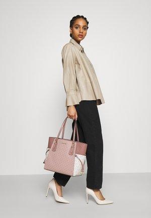 VOYAGEREW TOTE - Shopping bag - ballet multi