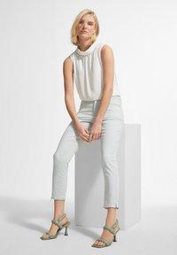 comma - Trousers - mint green - 2
