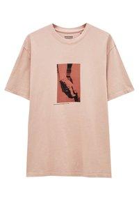 PULL&BEAR - MIT MICHELANGELO-WERK - Print T-shirt - pink - 5