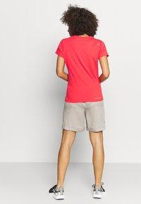 Luhta - LUHTA HUUKAINEN - Sports shorts - cement - 2