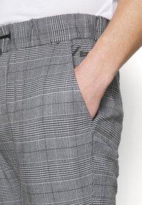 Blend - PANTS - Kalhoty - dress blues - 3