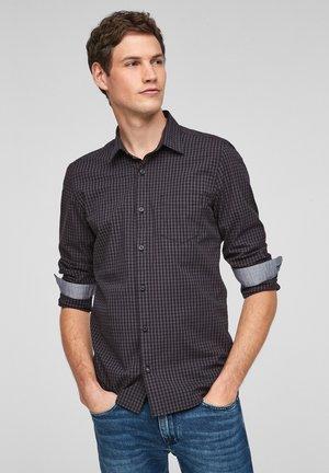 SLIM FIT - Shirt - black check