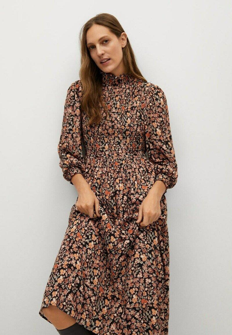 Mango - BRIANDA - Sukienka letnia - oranje