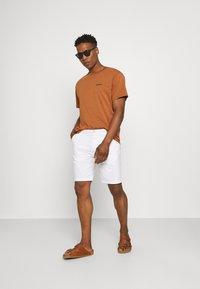 Scotch & Soda - STUART CLASSIC - Shorts - white - 1