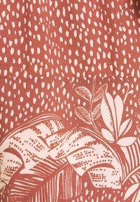women'secret - PALM BELT SHORT - Pyjama bottoms - red - 5