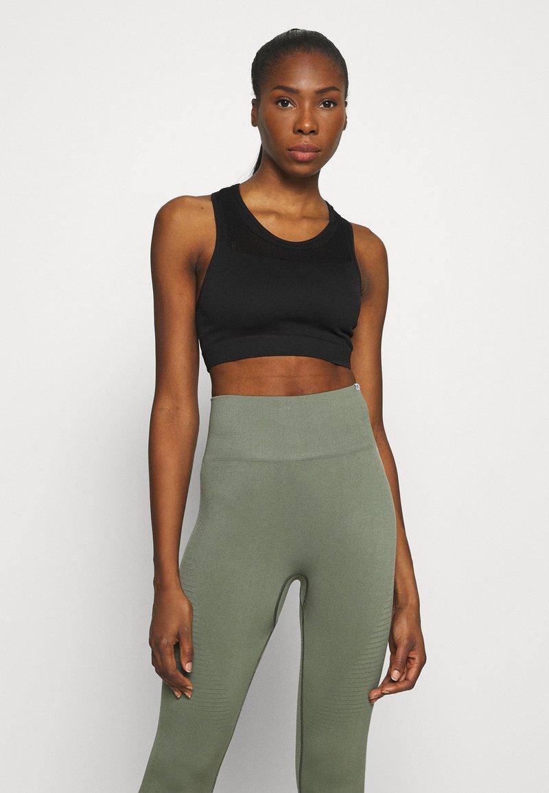 NU-IN - SPORTS BRA - Light support sports bra - black