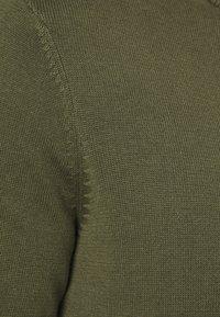 Pier One - Stickad tröja - oliv - 5