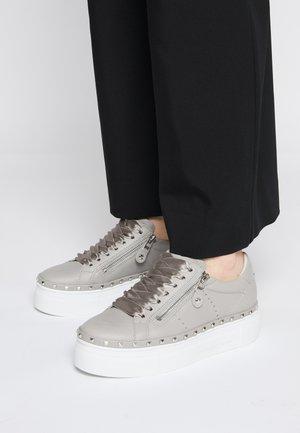 NANO - Sneakers laag - grey