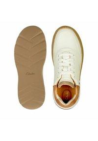 Clarks - SPRINTLITELACE - Baskets basses - white  leather - 3