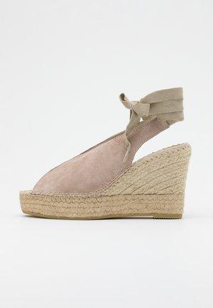 Sandály na vysokém podpatku - piedra