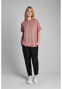 Nümph - NUDARLENE  - Basic T-shirt - ash rose - 1