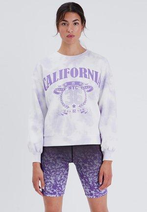 MIT RUNDHALSAUSSCHNITT - Sweater - mauve