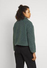 ONLY - ONLMARINA CROP JACKET - Light jacket - balsam green - 2