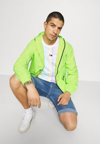 Tommy Jeans - PACKABLE  - Outdoor jacket - green - 3