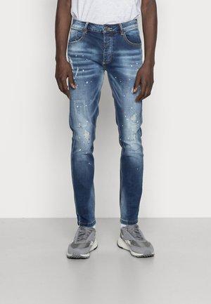 EMIDIO MID WASH - Straight leg jeans - midwash