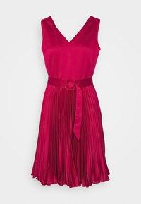 Closet - CLOSET V NECK PLEATED DRESS - Cocktail dress / Party dress - burgundy - 4