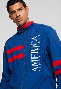 Perry Ellis America - STRIPE TRACK - Training jacket - estate blue - 4