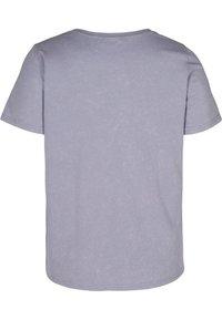 Zizzi - Print T-shirt - silver bullet acid - 1