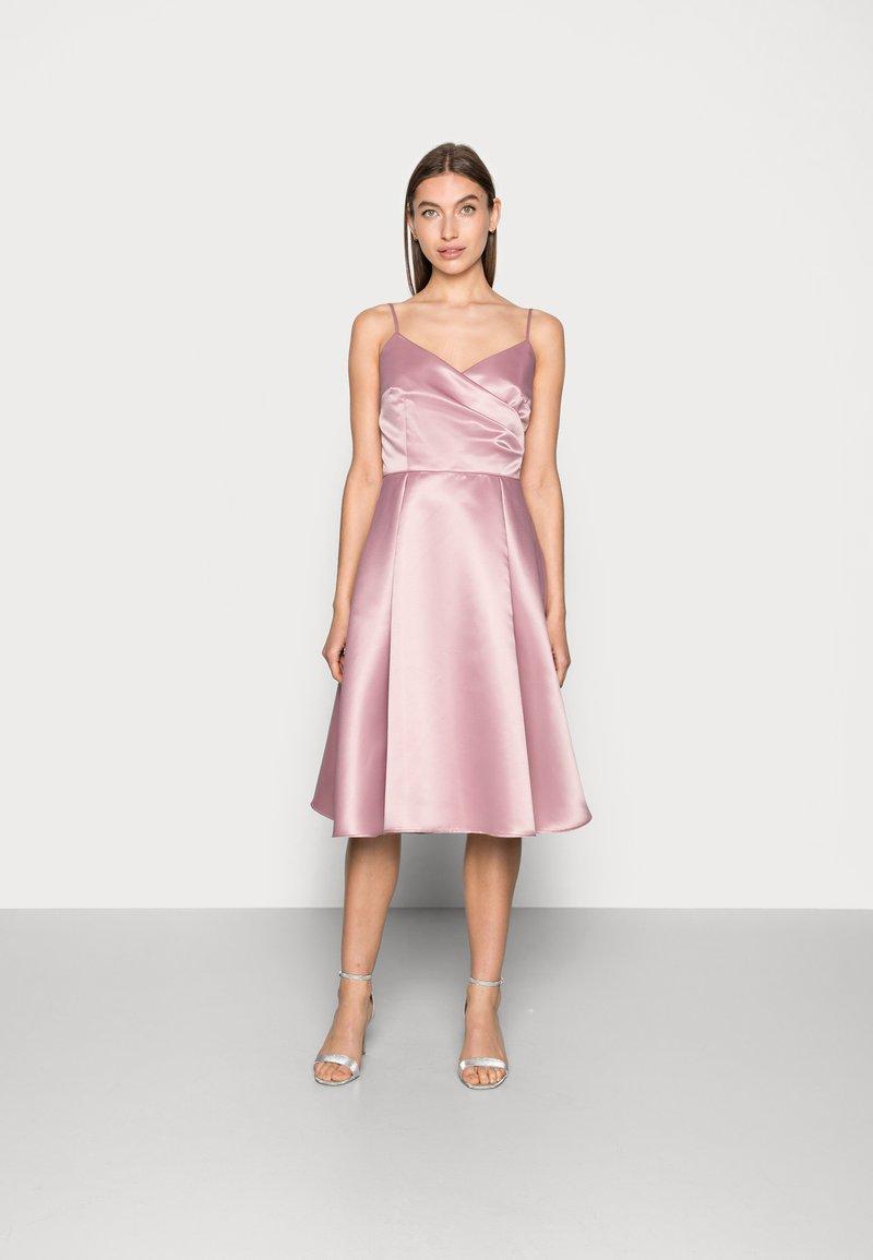 Swing - Cocktail dress / Party dress - pale lipstick