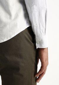 Burton Menswear London - OXFORD      - Košile - white - 6