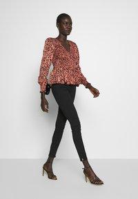 Vero Moda Tall - VMSOPHIA ANKLE ZIP - Jeans Skinny Fit - black - 1