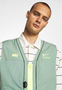Nike Sportswear - VEST - Waistcoat - silver pine - 4