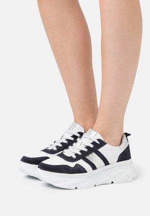 NAVA - Zapatillas - dark blue/white