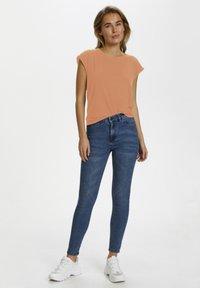 Saint Tropez - Basic T-shirt - terra cotta - 1