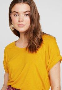 ONLY - Basic T-shirt - golden yellow - 4