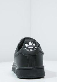 adidas Originals - STAN SMITH - Sneakers basse - black/white - 3