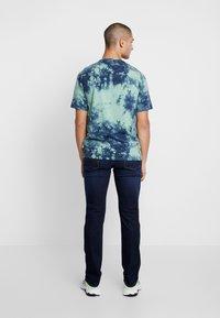 Tommy Jeans - RYAN - Jeans straight leg - dark blue denim - 2