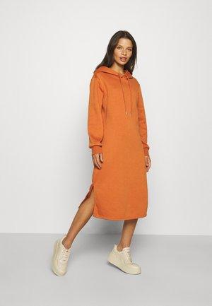 ONLINC JOEY EVERY HOODIE DRESS - Robe d'été - bombay brown
