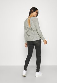 MAMALICIOUS - MLSAVANNA ORGANIC - Jeans Skinny Fit - dark grey denim - 2