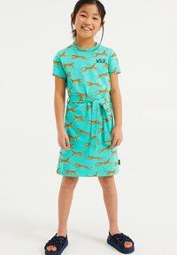 WE Fashion - MET LUIPAARDPRINT - Jersey dress - mint green - 0