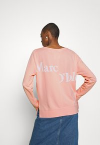 Marc O'Polo - LONG SLEEVE ROUND NECK PRINT AT BACK - Mikina - rose cream - 2